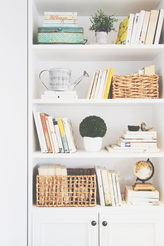 how to style a bookcase, vintage inspired bookcase