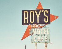 Roy's Motel Sign